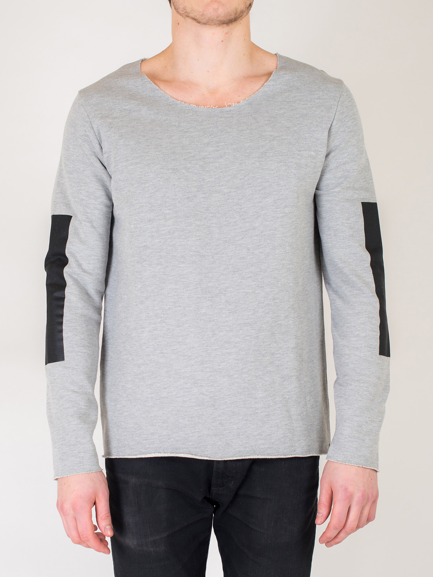 Patrick-grey-front-redigera
